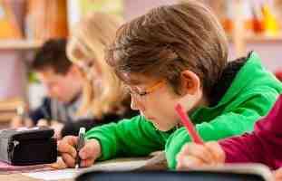 بررسی رابطه خلاقیت و پیشرفت تحصیلی در دانش آموزان