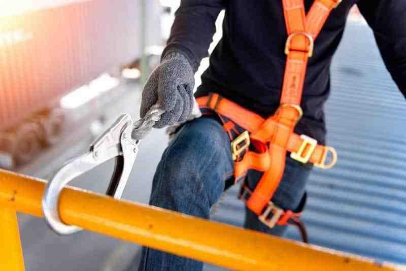 پاورپوینت ایمنی کارگاه های ساختمانی، نقاط قوت و ضرورتهای آن